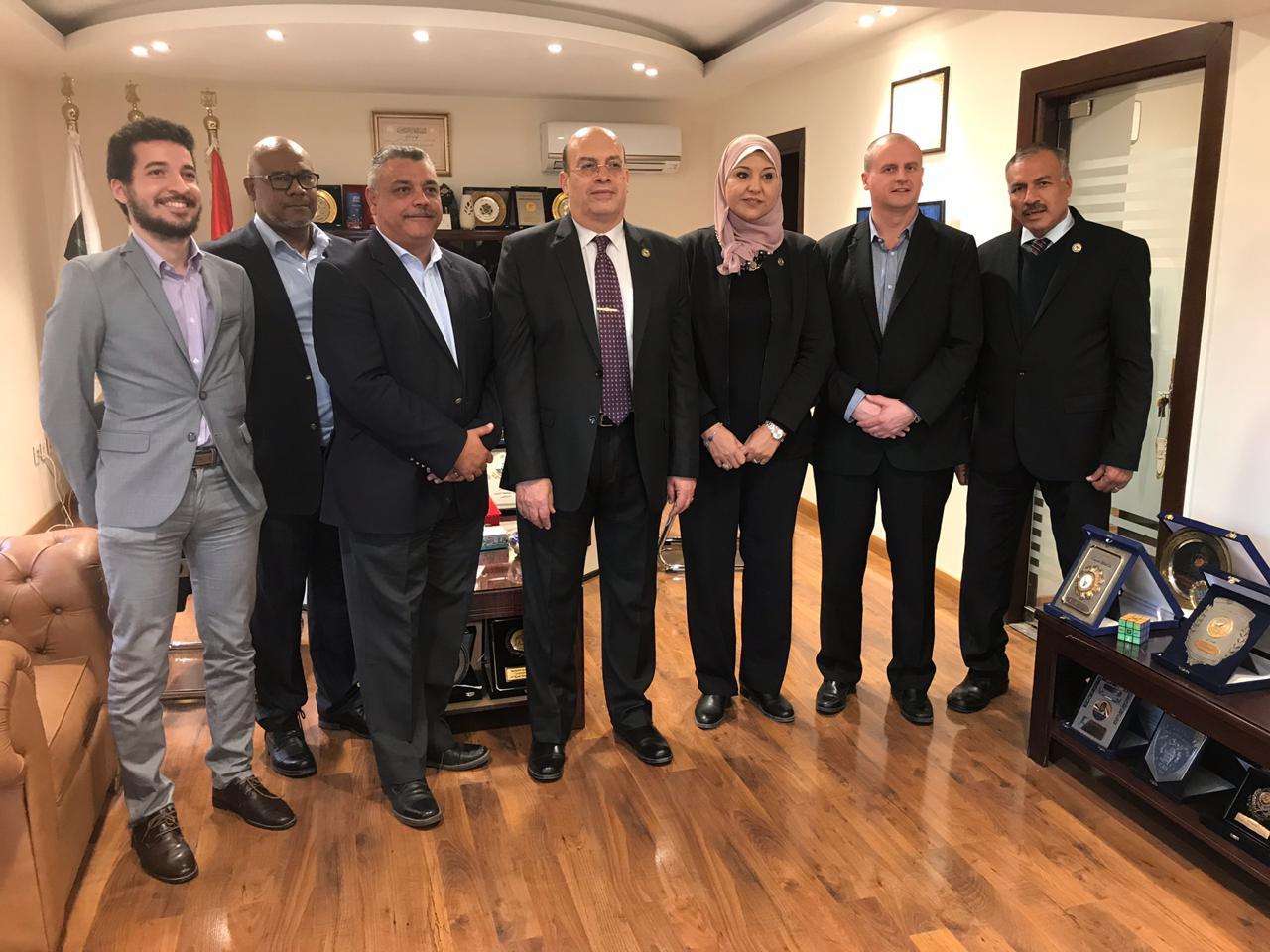 وفد الوكالة الدولية فى زيارة تفقدية للنادو المصري